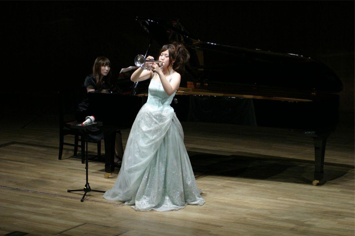 女の子の吹く楽器第7楽章fc2>1本 YouTube動画>80本 ->画像>269枚